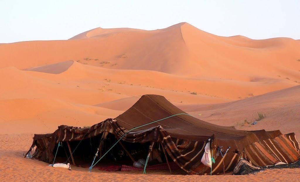 上图:以实玛利的后代贝都因人(Bedouin)的帐棚。亚伯拉罕时代的帐棚可能与此相似。