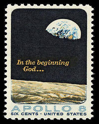 上图:1969年,美国邮政局发行了邮票(Scott # 1371)纪念阿波罗8号任务和朗读创世记。