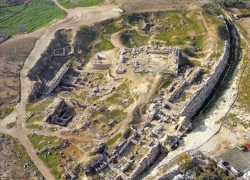 上图:示剑城遗址Tell Balata,已有5000多年历史。