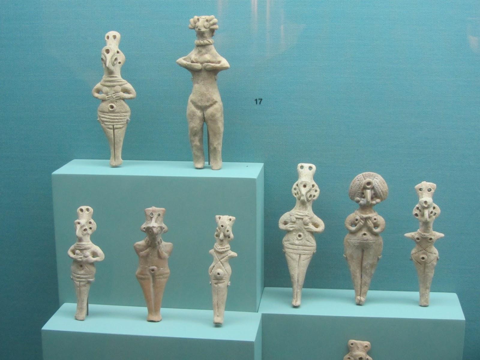 上图:以色列出土的家神(Teraphim),现藏于耶路撒冷圣经之地博物馆(Bible Lands Museum)。