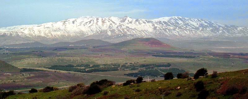 上图:从戈兰高地向北远眺黑门山。巴珊就是现代的戈兰高地,现在仍然是非常好的牧场。