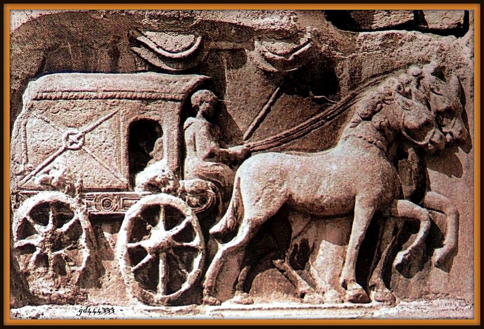上图:罗马帝国邮差的浮雕。奥古斯都创立了罗马公共邮政(Cursus publicus),通过罗马道路系统运送官方邮件。邮差会戴着一顶独特的皮制邮帽,战车上有箱子用来装载邮件。在特别的情况下,驿马当天就可以把信件传递到800公里外。罗马道路的开通也促进了私营邮递业兴起,例如Tabellarii就是一家用奴隶送信的邮递业务经营者。大部分平民是靠旅行者来携带信件。