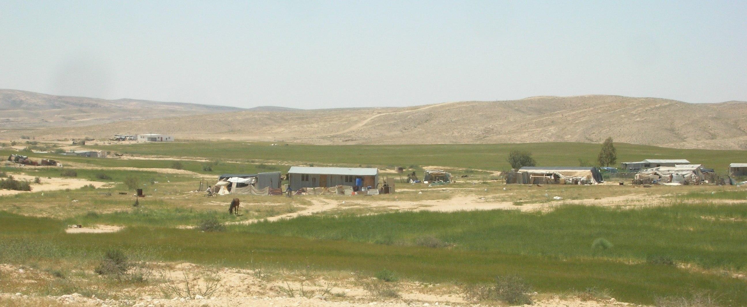 上图:以色列南地旷野(Negev Desert)的农场。这里只要有水源,就可以耕种。