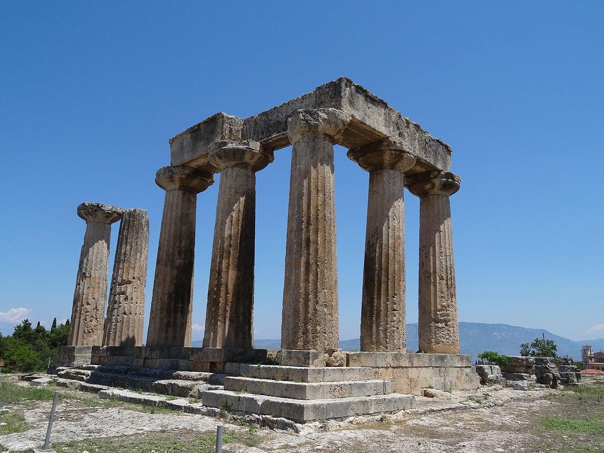 上图:哥林多古城的太阳神阿波罗庙遗址。市上售卖的肉类和食物可能是先祭过阿波罗神的。