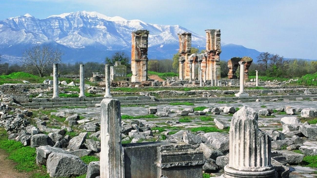 上图:主后343年的保罗长方形教堂(Basilica of Paul)遗址。从4世纪中叶到6世纪末,腓立比建造了7座教堂,有些在规模和装饰上可以和帖撒罗尼迦、甚至君士坦丁堡最美的建筑媲美。