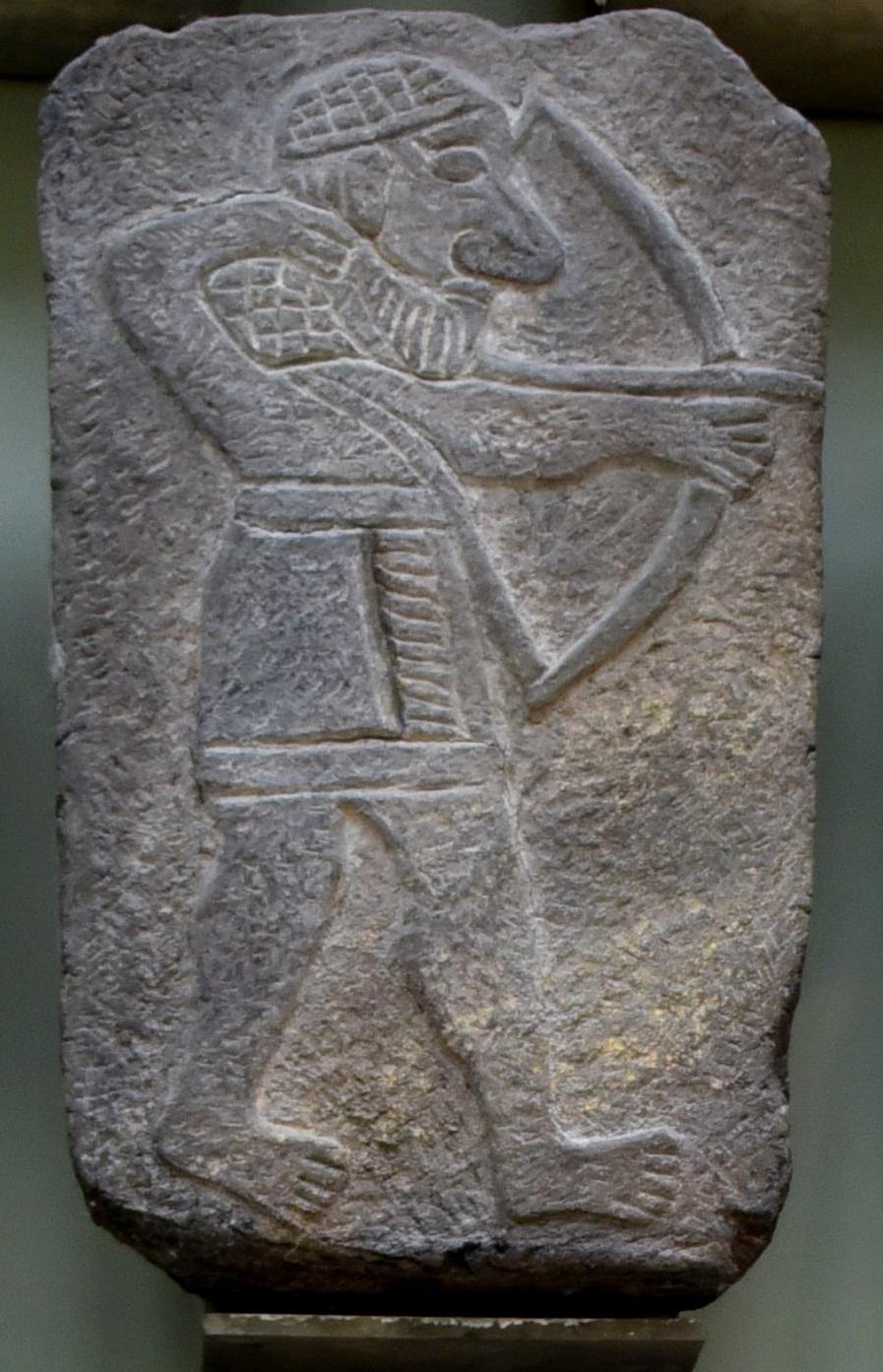 上图:主前10世纪的亚兰弓箭手玄武岩浮雕,出土于叙利亚东北部的Tel Halaf。