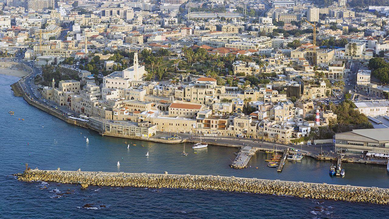 上图:约帕上图:约帕港的防波堤。约帕港现名雅法港(Jaffa Port),是特拉维夫雅法老城的古老海港,被认为是世界上连续使用时间最长的海港。港的防波堤。约帕港现名雅法港(Jaffa Port),是地中海的一个非常古老的海港,是世界上连续使用时间最长的海港。