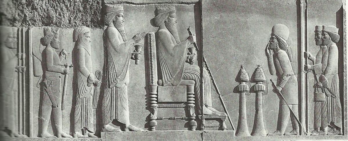 上图:亚哈随鲁或大流士一世的浮雕,波斯王的手中拿着金杖。