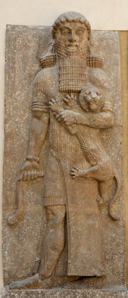 上图:主前8世纪的亚述浮雕,吉尔伽美什抓着一只狮子。《吉尔伽美什史诗》(Epic of Gilgamesh)讲述了主前27世纪乌鲁克国王吉尔伽美什的故事。女神伊丝塔(Ishtar)向他求爱,列举了无数利益。但吉尔伽美什却指出她的诱惑必然使人归向阴间。